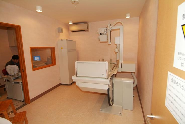 肝臓専門医、内科、消化器科、肝臓病 はやさかクリニックX線室